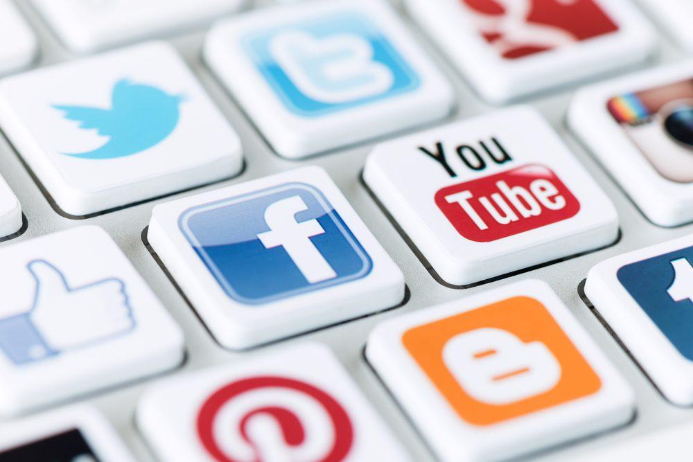 Gestion de crise et réseaux sociaux: comprendre les nouvelles réalités médiatiques